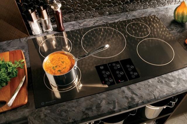 Do có công suất lớn nên bếp từ cũng tiêu tốn khá nhiều điện trong gia đình.